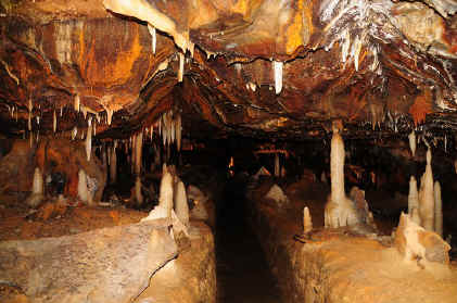 ohio caverns photo 4.jpg (117010 bytes)