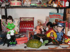 the gray wolf antiques toys.jpg (117361 bytes)