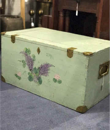 Green Box with Flowers. $89.00.jpg (310890 bytes)